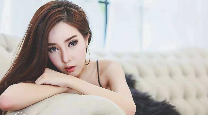 【热】鞠婧祎柔嫩的蜜唇死死咬着巨龙  为何做出这举动
